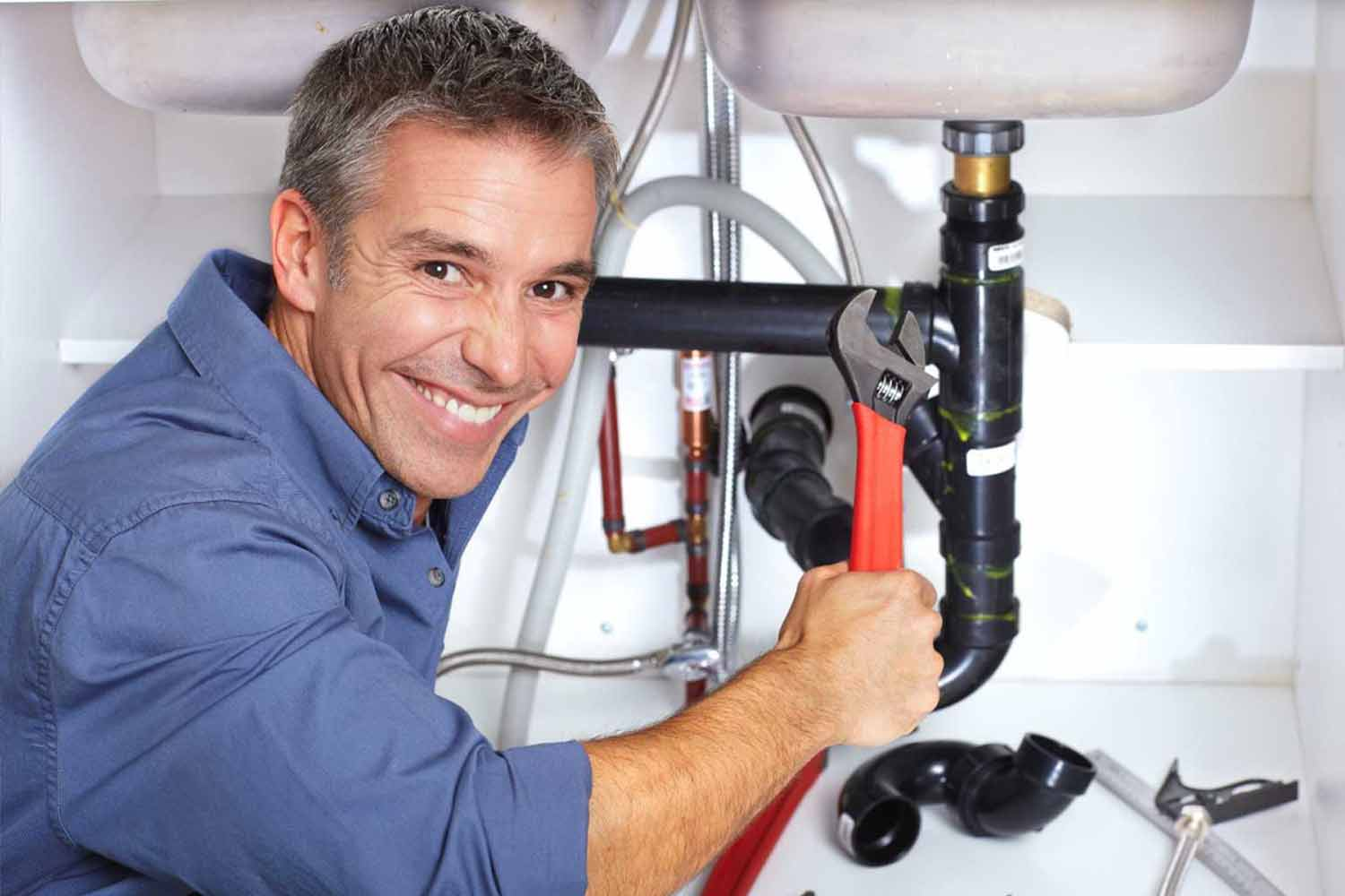 plumber-holding-wrench